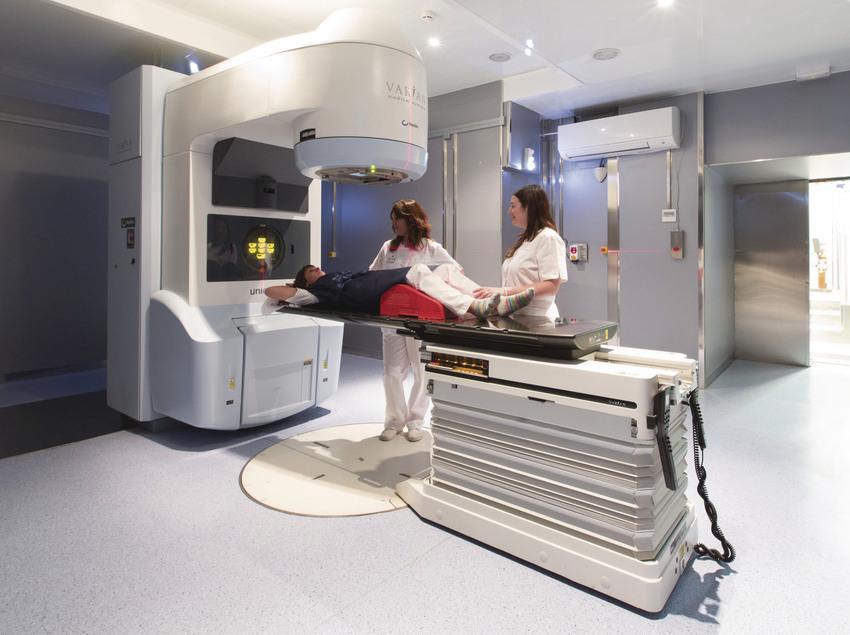 Sala de proves del Institut Mèdic d'Onco-Radioteràpia (IMOR).