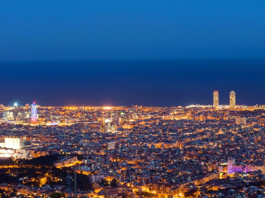 Barcelona de nit des de Collserola.