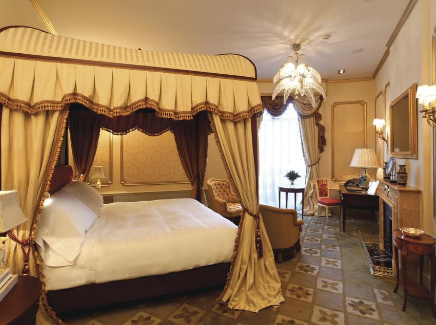Suite Salvador Dalí a l'hotel El Palace.