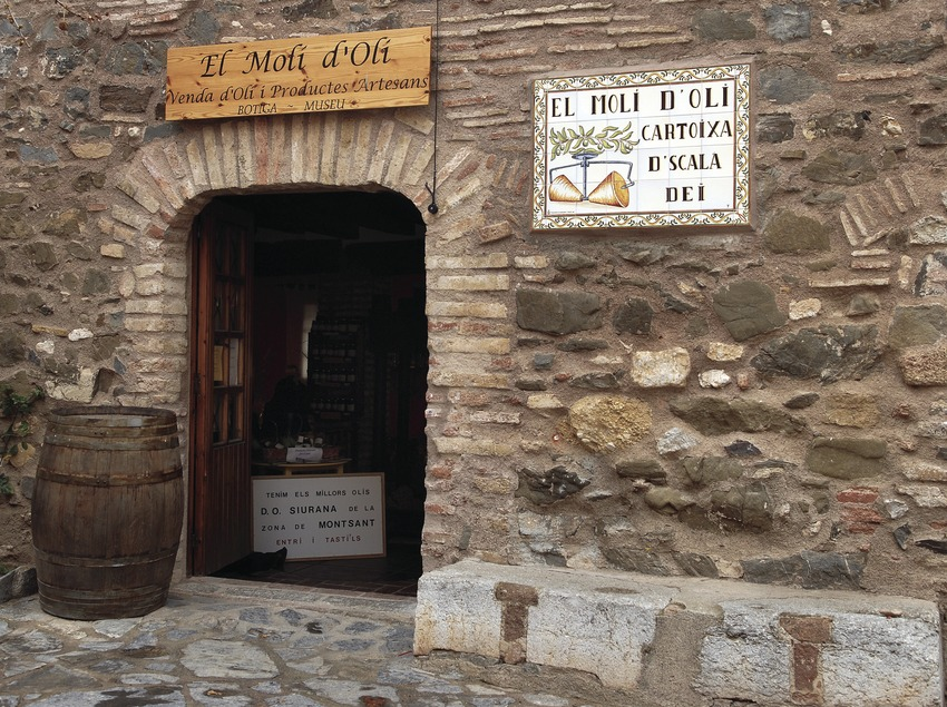 Fachada del Molí d'Oli de Scala Dei  (Tina Bagué)