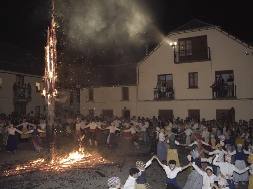 La Crema Deth Haro durante la noche de San Juan.