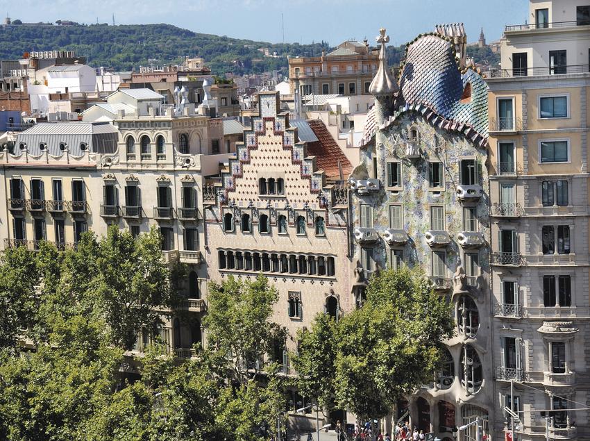 Vistas de la Casa Amatller y la Casa Batlló en Passeig de Gràcia