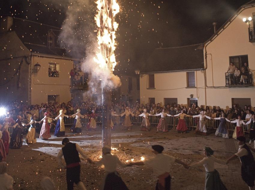 La Crema Deth Haro durant la Nit de Sant Joan.