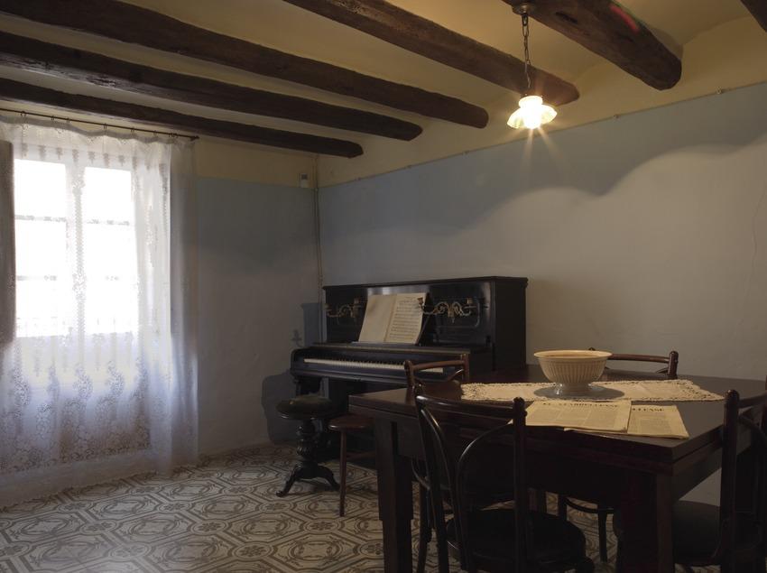 Interior of Pau Casals' birthplace  (Nano Cañas)