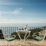 Terrassa del hotel La Gavina amb vistes al mar