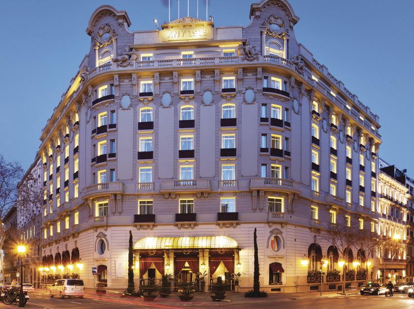 Façana de l'hotel Palace de Barcelona