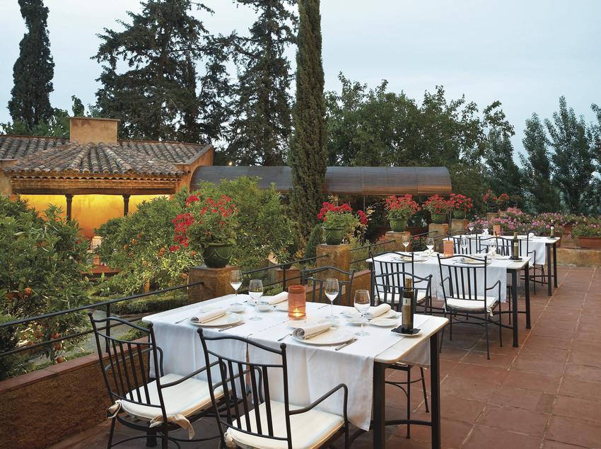 Terraza del restaurante Hotel Mas La Boella