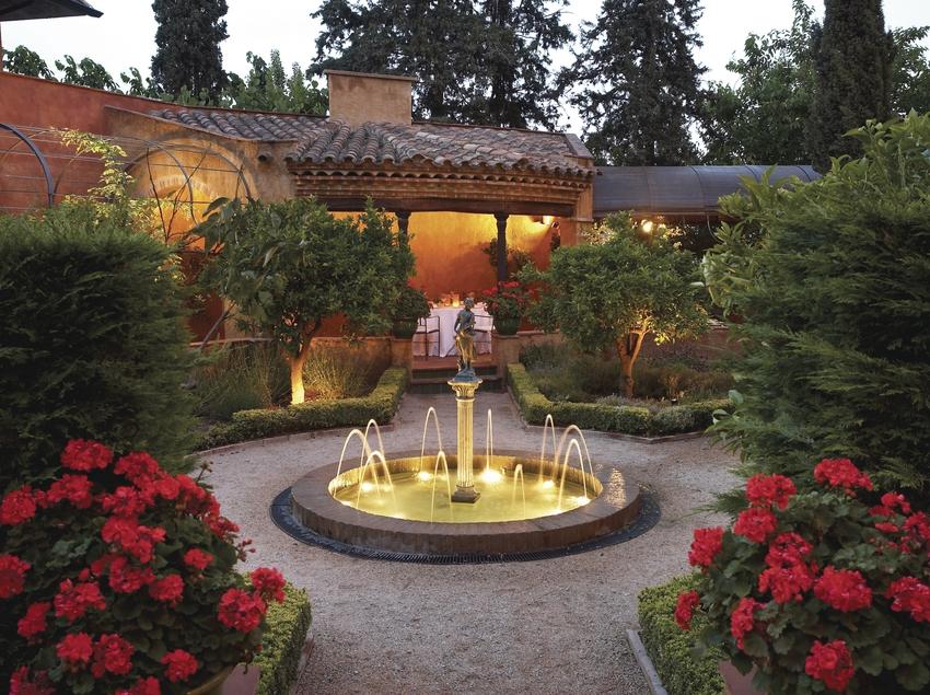 Jardín del Hotel Mas La Boella