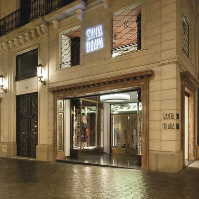 Vista exterior de la botiga Santa Eulàlia de Barcelona