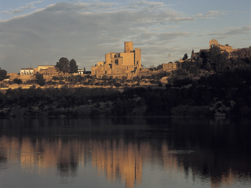 Pantano y castillo de Castellet  (Kim Castells)