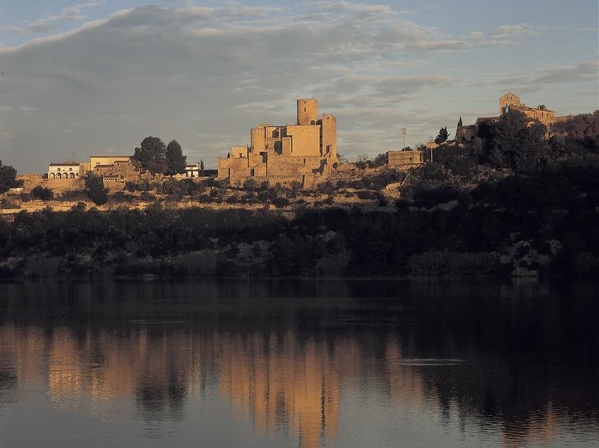 Retenue d'eau et château de Castellet  (Kim Castells)