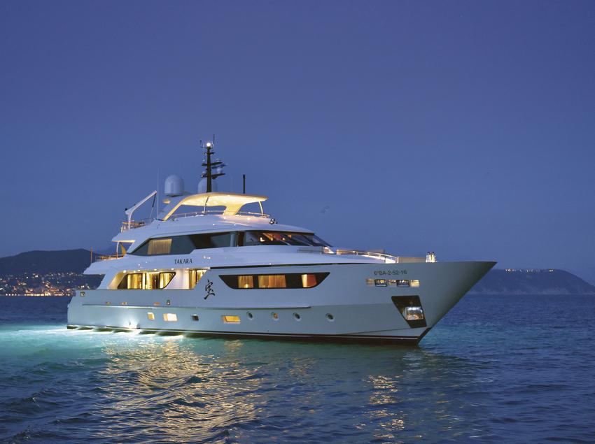 Iot de luxe de la flota de Charter & Dreams