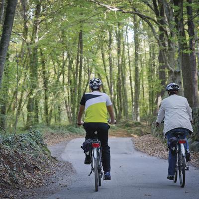 Ciclistes pel Parc Natural de la Zona Volcànica de la Garrotxa