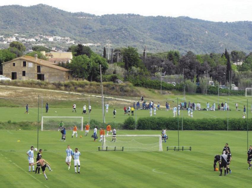 Torneig de futbol a les instal·lacions de Top Ten Sports