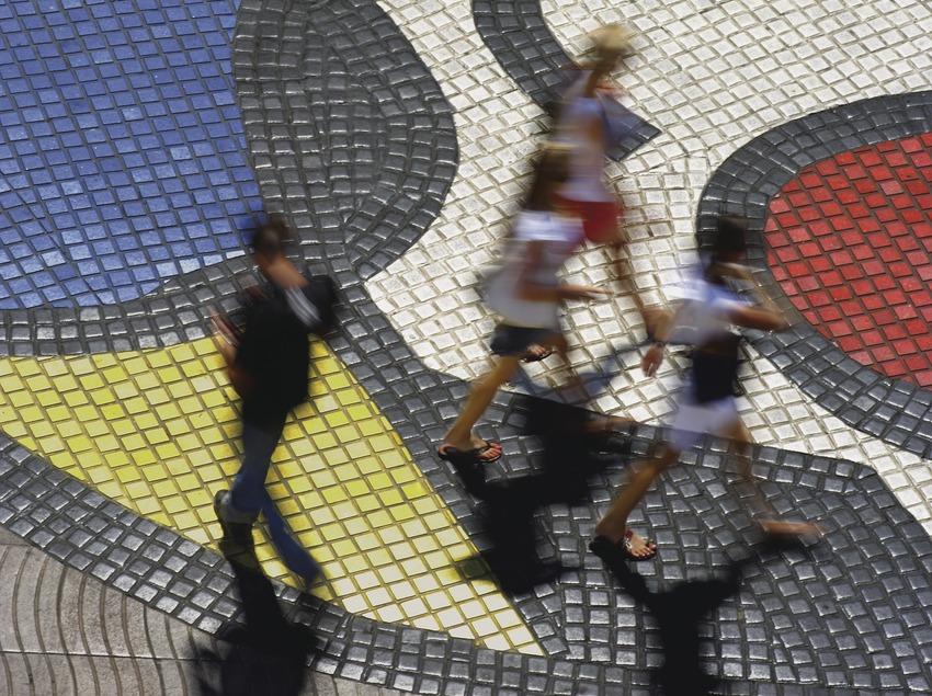 Paviment Pla de l'ós (1976). Joan Miró. La Rambla  (Lluís Carro)