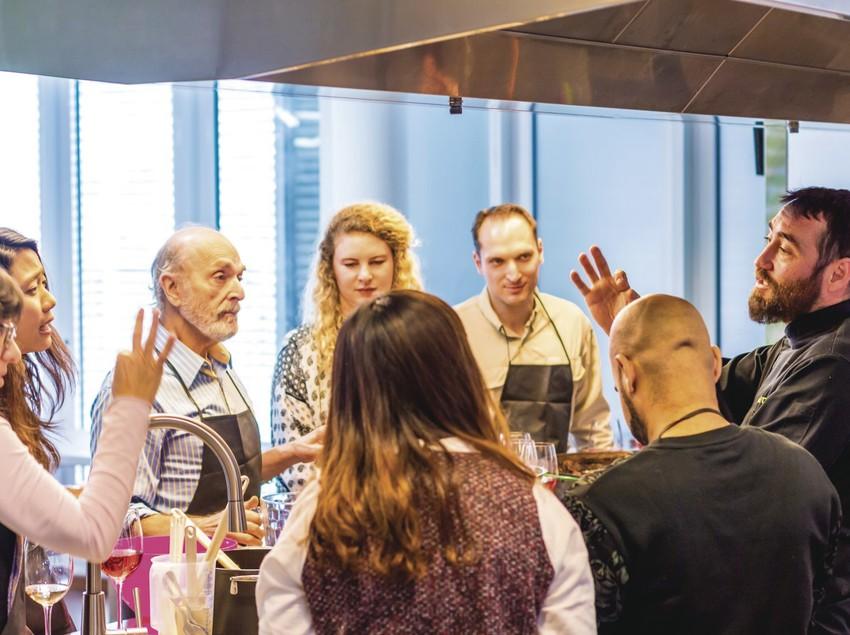 Classes de cuina a l'espai de bcnKitchen.
