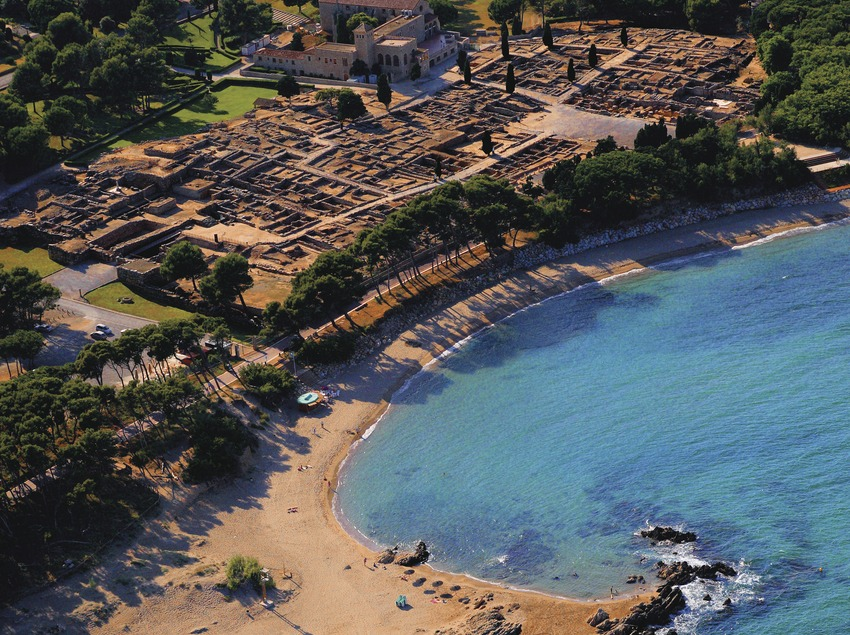 Aerial view of the ruins at Empúries  (Lluís Carro)