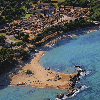 Vista aèria de les ruïnes d'Empúries  (Lluís Carro)