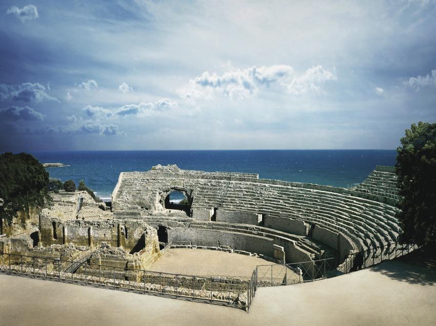 Roman amphitheatre.  (Lluís Carro)