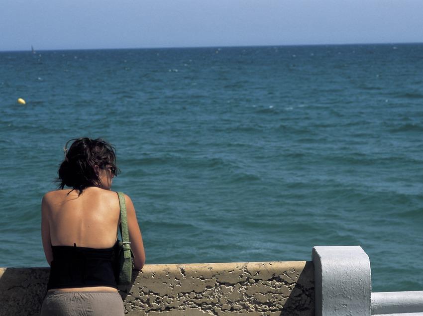 Contemplando el mar (Oriol Llauradó)