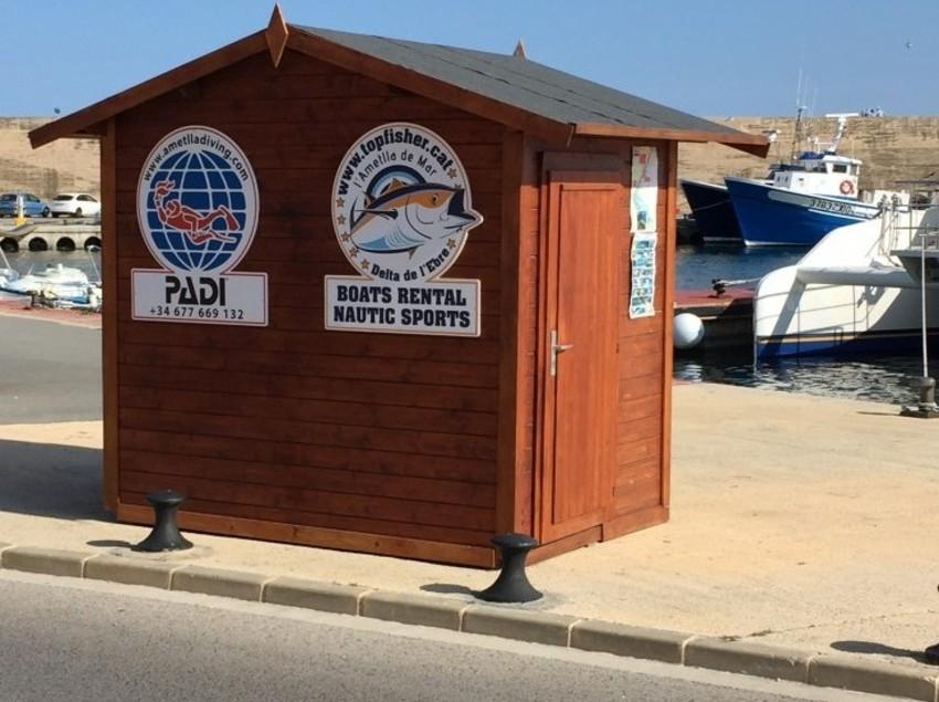 Caseta i punt d'informació del Centro de Buceo Ametlla Diving