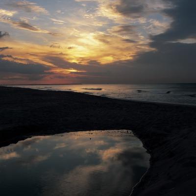 Albada a la platja.  (Kim Castells)