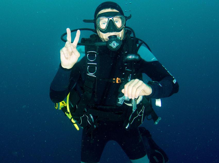 Submarinista en el mar