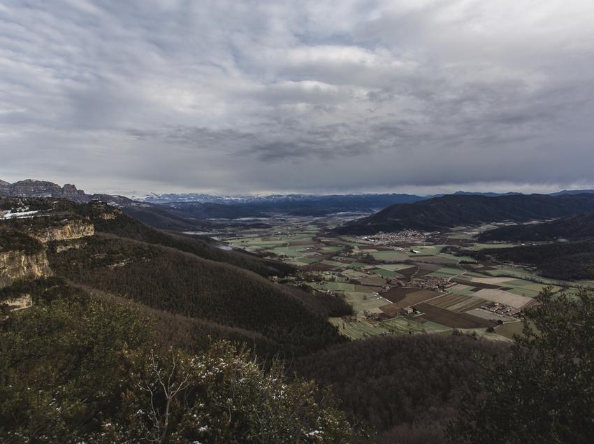 Paisaje invernal panorámico de la Vall d'en Bas