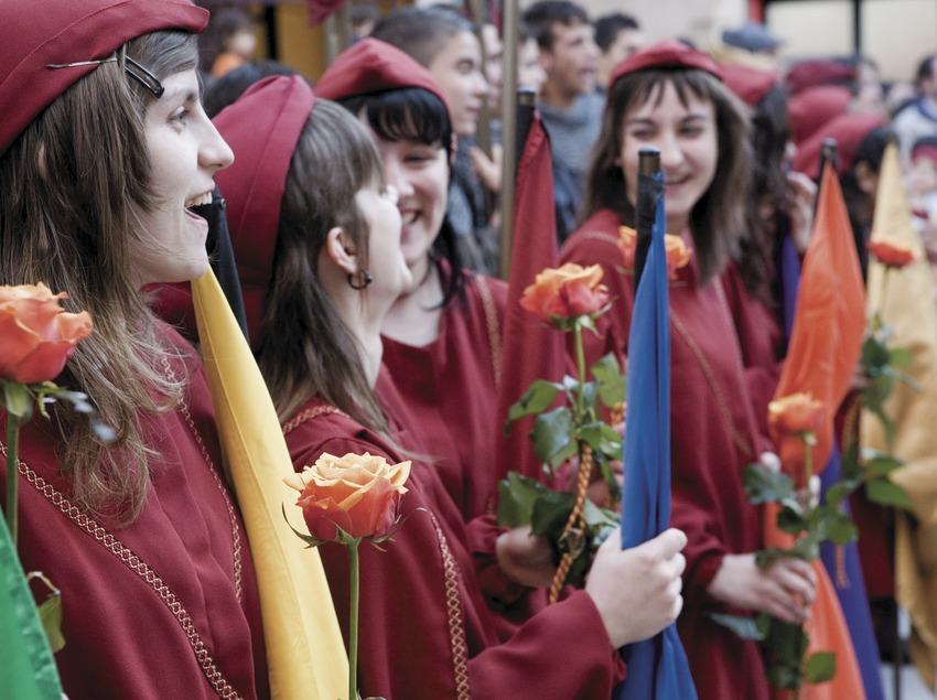 Entrega de la Rosa durante la Semana Medieval.  (Oriol Llauradó)