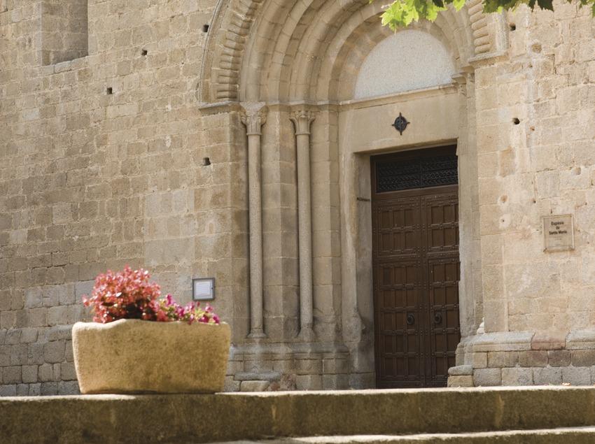 Iglesia parroquial de Santa Maria.  (Nano Cañas)