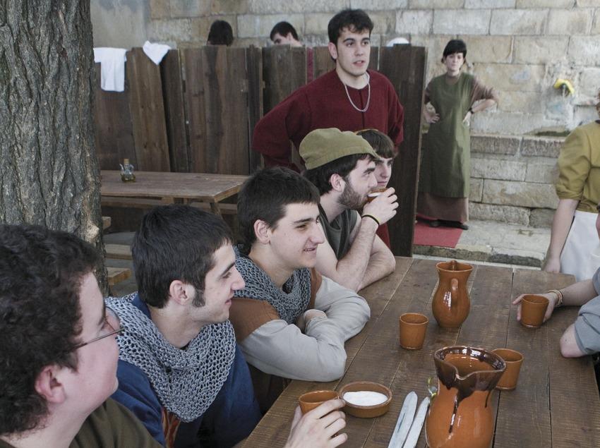 Taverna al mercat de la Setmana Medieval.  (Oriol Llauradó)