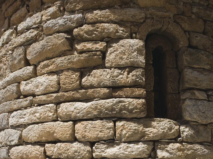 Detall de l'absis de l'església de Sant Climent.  (Nano Cañas)