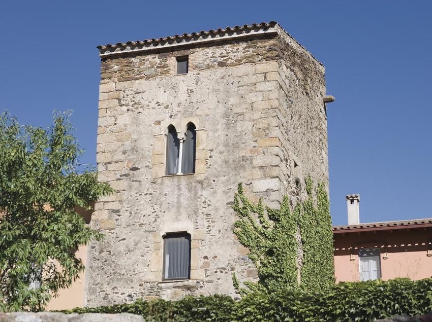 Cal Marquès tower  (Nano Cañas)