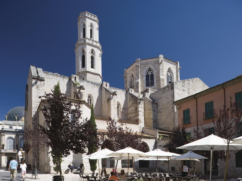 Pfarrkirche Sant Pere auf dem Platz Sant Pere.