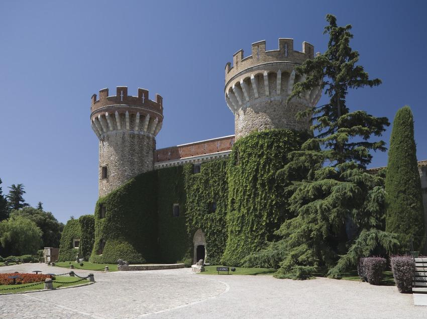Castillo de Peralada.  (Nano Cañas)