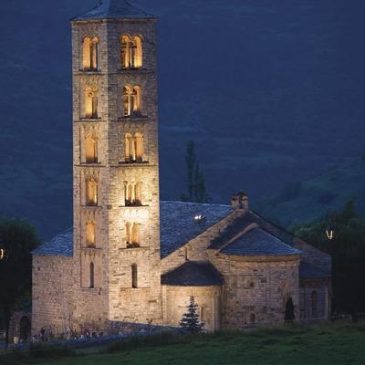 Vista nocturna de l'església de Sant Climent de Taüll.  (Nano Cañas)