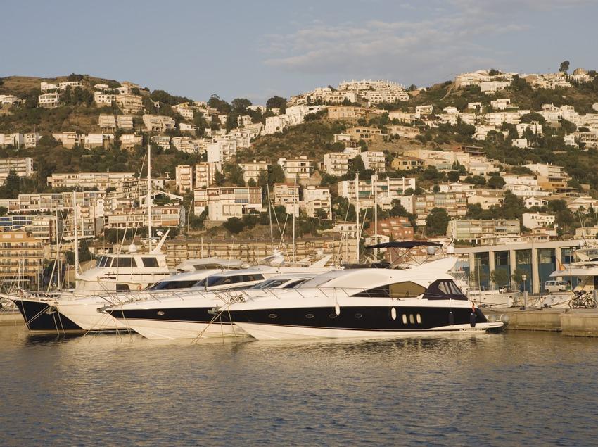 Yachts dans le bassin de plaisance du port.  (Nano Cañas)