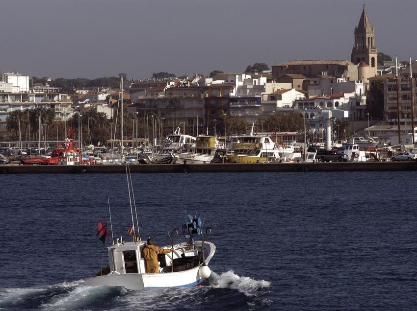 Embarcation de pêche devant le village de Palamós  (Marc Ripol)