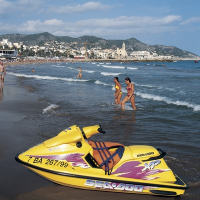 Moto aquàtica a la platja.