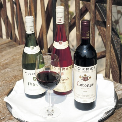 Ampolles i copa de vi  (Consorci de Promoció Turística de l'Alt Penedès)