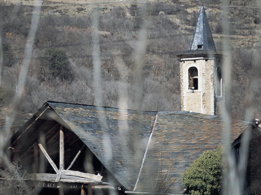Campanario de la iglesia parroquial de Sant Sadurní o Sant Serni d'Altron.  (Kim Castells)
