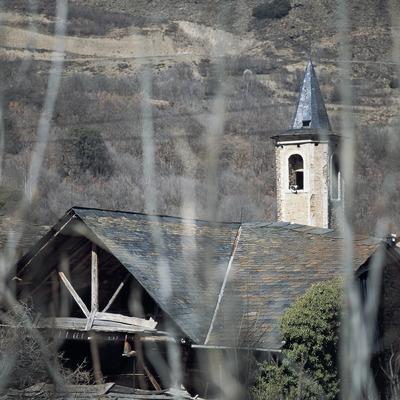 Campanar de l'església parroquial de San Sadurní o Sant Serni d'Altron.  (Kim Castells)
