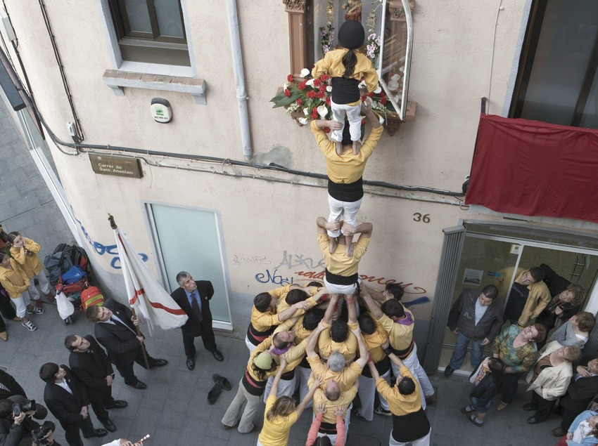 The main festival in Badalona. Floral offering to Sant Abad  (Oriol Llauradó)