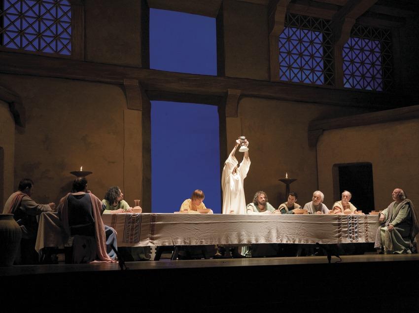 Escena de la Santa Cena en la representación de la Pasión.  (Oriol Llauradó)