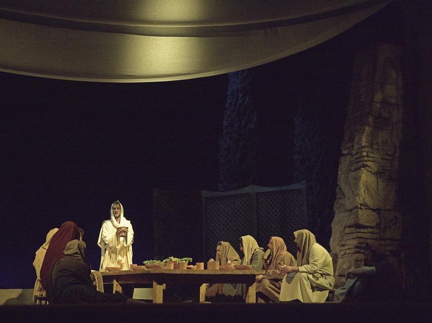 Escena de la última cena en la representación teatral de la Pasión  (Oriol Llauradó)