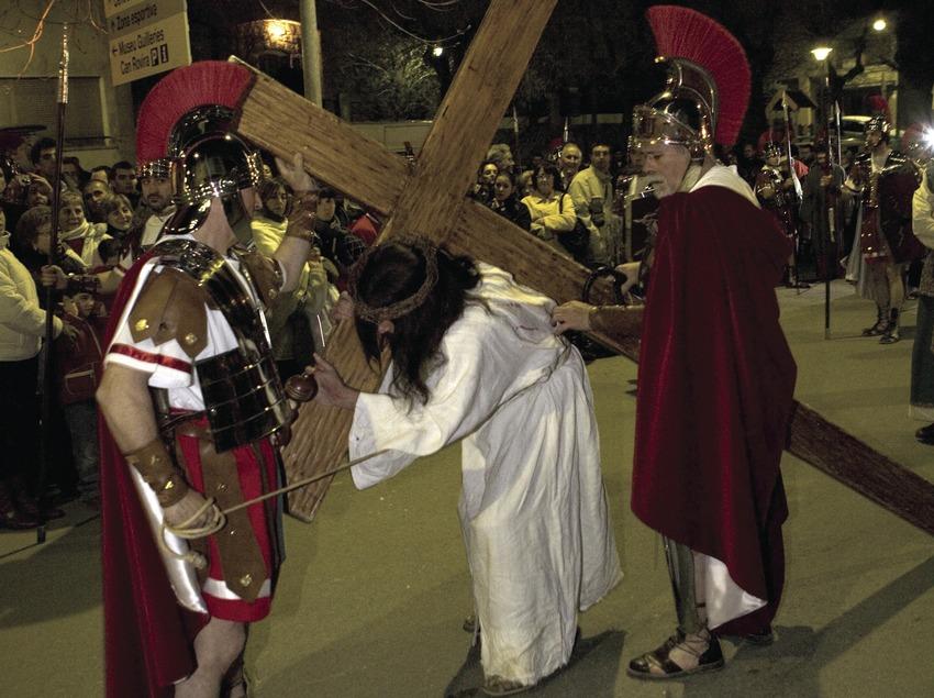 Escena de la procesión del Vía Crucis viviente.  (Oriol Llauradó)