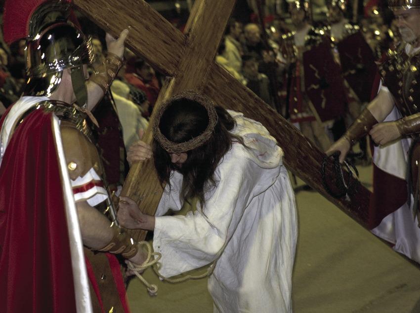 Scène de la procession du chemin de croix vivant.  (Oriol Llauradó)