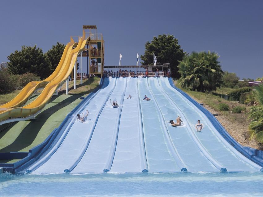 Water slides in the Aquopolis water park.  (Nano Cañas)