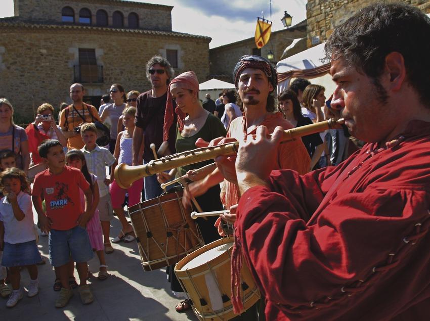 Músics a la fira Medieval de Peratallada