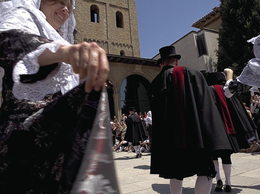 Bailes durante la celebración de la Festa de la Llana i del Casament a Pagès  (Oriol Llauradó)